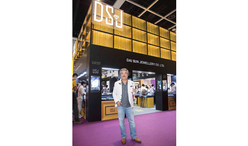 "Jewellery Exhibition Booth Design : Dsj wins the best booth award champion in ""the hong kong"